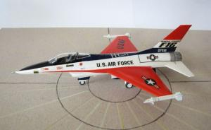 YF-16 Fighting Falcon