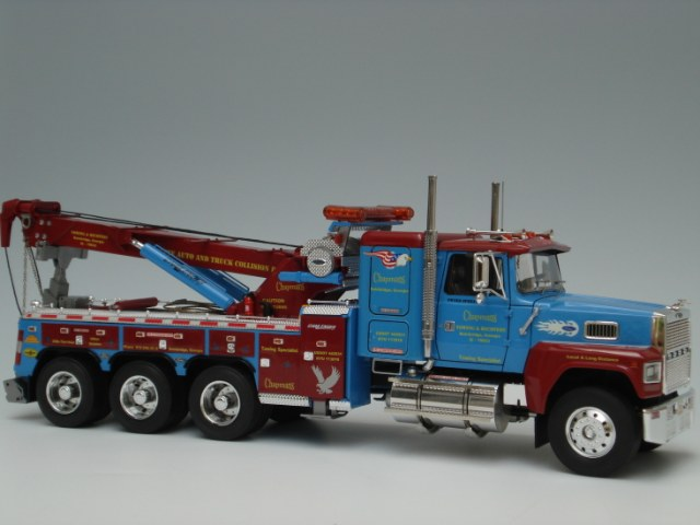 Ford LTL 9000 Wrecker