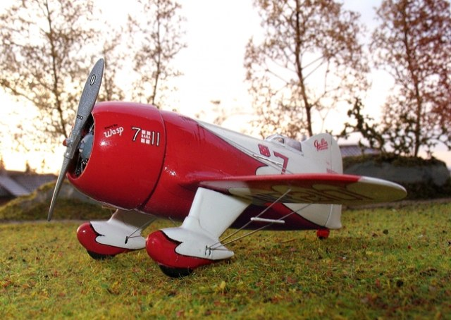 Gee Bee R-2