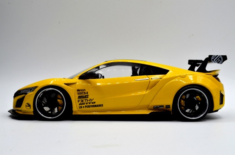 "Honda NSX  ""Liberty Walk"""