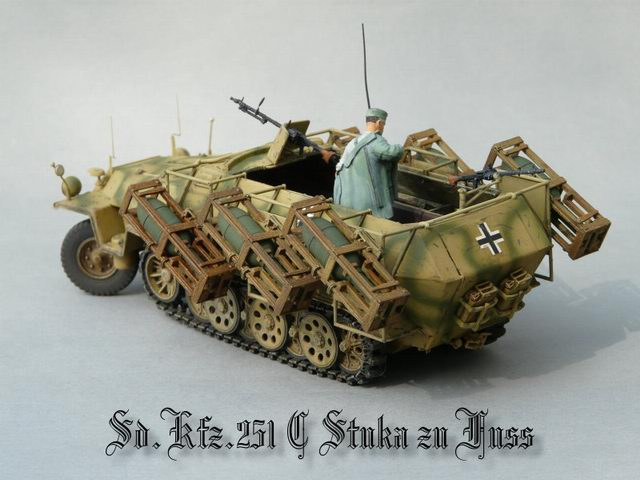 sdkfz-251-ausf-c-mit-wurfrahmen-40-drago
