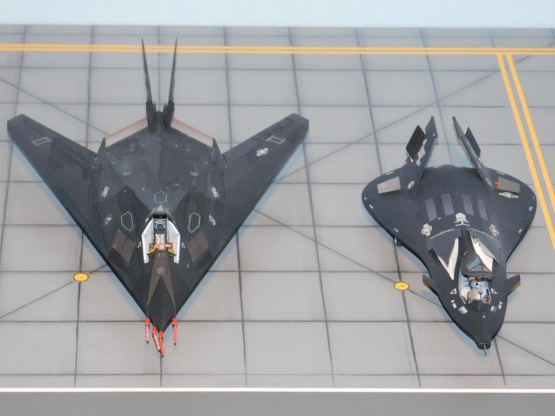 Vergleich Lockheed F-117 Nighthawk mit Lockheed F-19 Stealth Strike Fighter