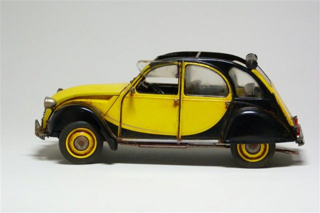 citroen 2cv charleston ente revell 1 24 von andreas. Black Bedroom Furniture Sets. Home Design Ideas