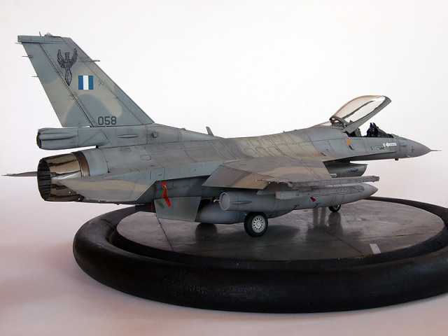 F-16C Fighting Falcon, Tamiya 1:48 von Oliver Peissl