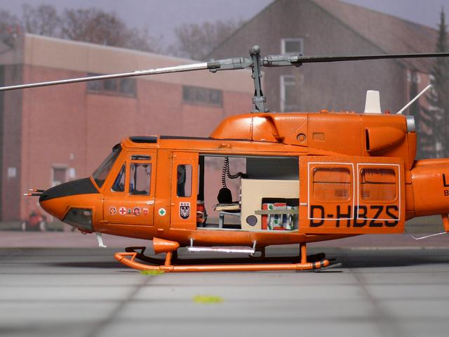 Bell 212 UH-1N Twin Huey