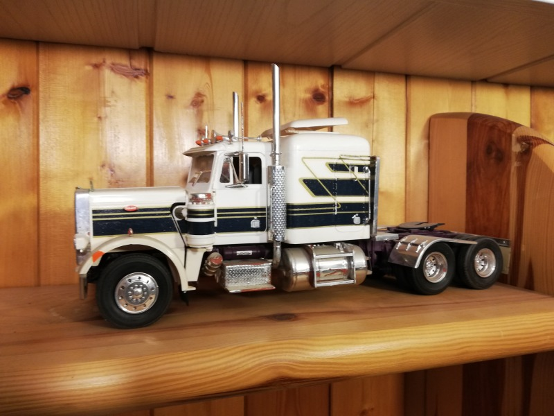 Rat Rod Truck Peterbilt 359