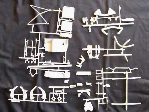 Anders, als die neutralgrauen Teile, sind die Chromteile einzeln in ...