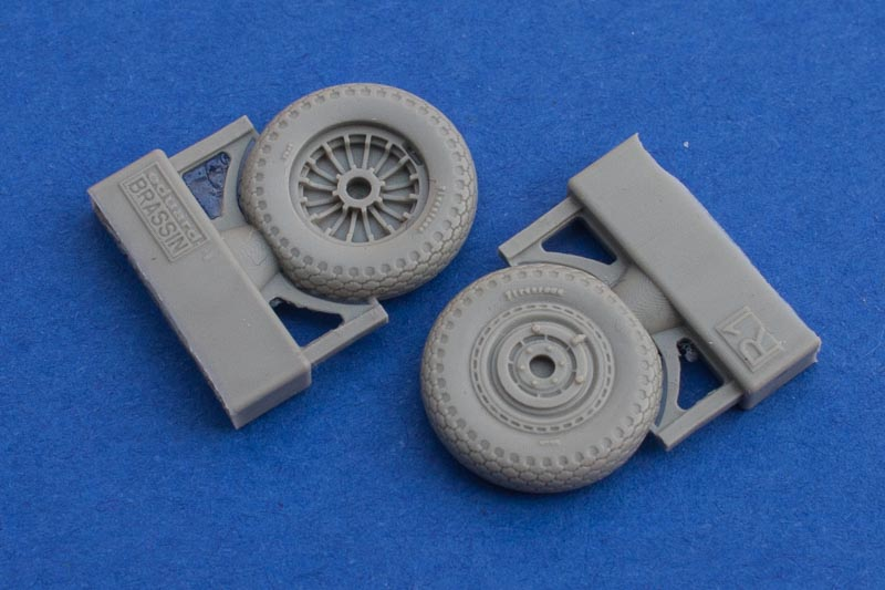 P-39 Wheels Early