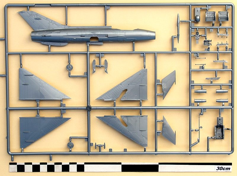 Revell - MiG-21 F-13 Fishbed C