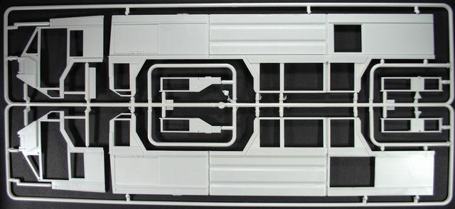 GFLF Simba 8x8 Löschfahrzeug im Maßstab 1:24 Feuerwehr Revell Modellbausatz