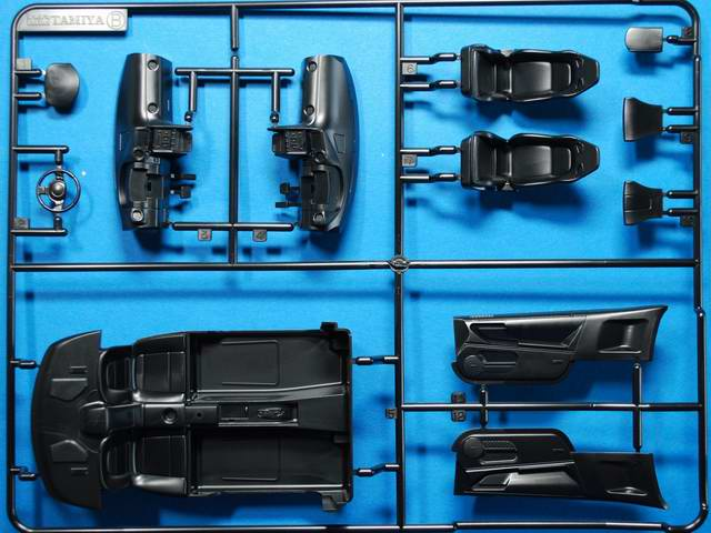 nissan gt r tamiya nr 24300 modellversium kit ecke. Black Bedroom Furniture Sets. Home Design Ideas