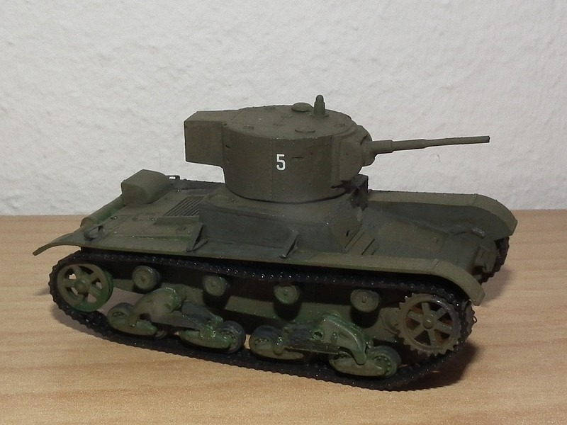 UM - Light Tank T-26 with cylindrical turret
